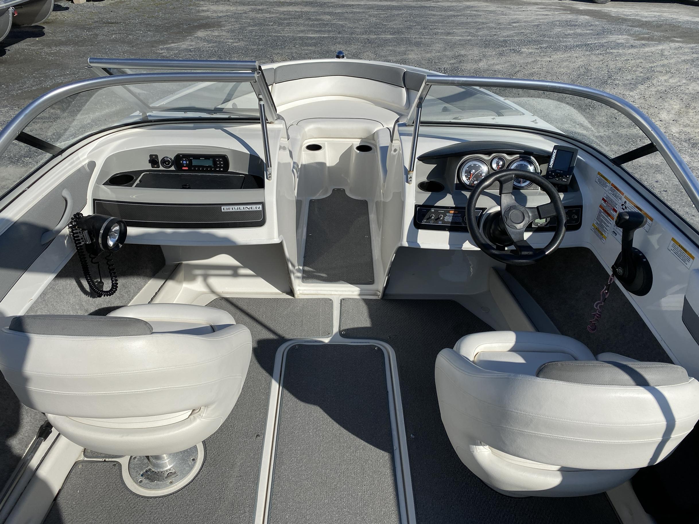 2014 Bayliner boat for sale, model of the boat is 190 Bowrider & Image # 10 of 10