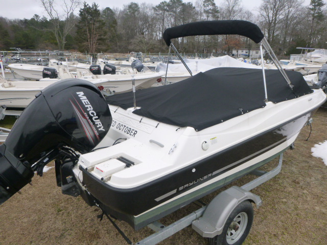 2014 Bayliner boat for sale, model of the boat is 190 Bowrider & Image # 2 of 10