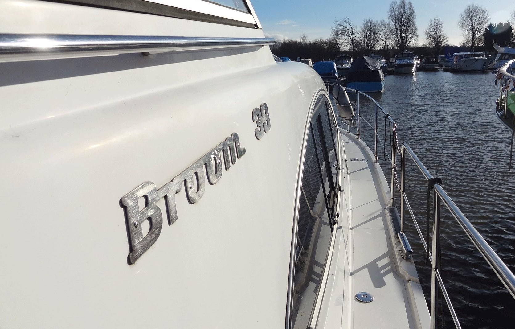 Broom 39KL side deck