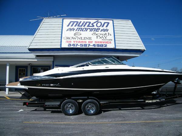 2010 Regal 2520 FasDeck For Sale