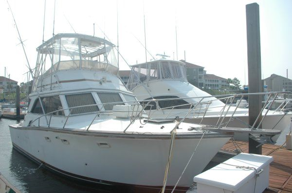 Egg Harbor 36 Convertible Sports Fishing Boats. Listing Number: M-3149302