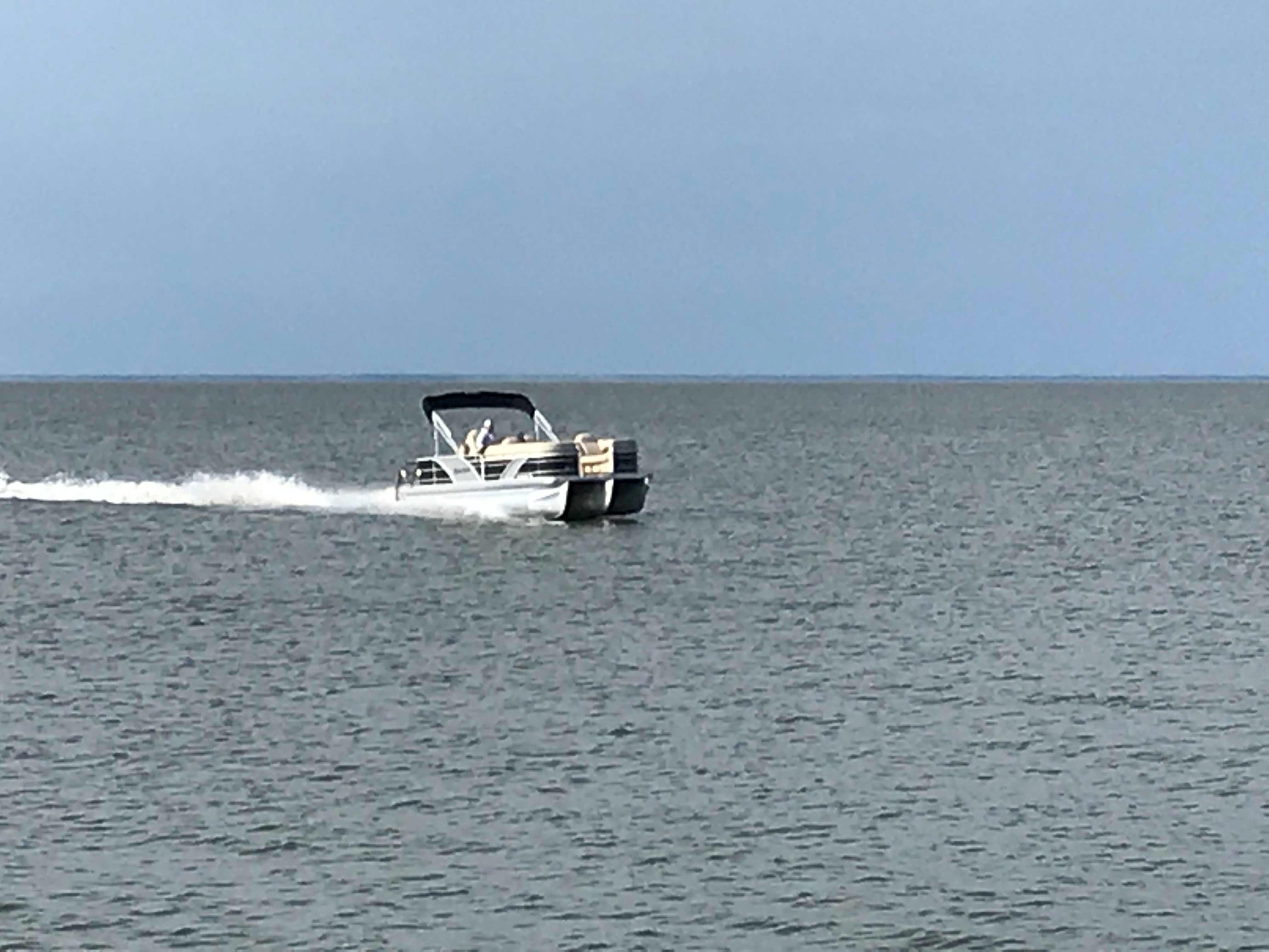 Godfrey Aqua Patio - At Speed 40 mph+
