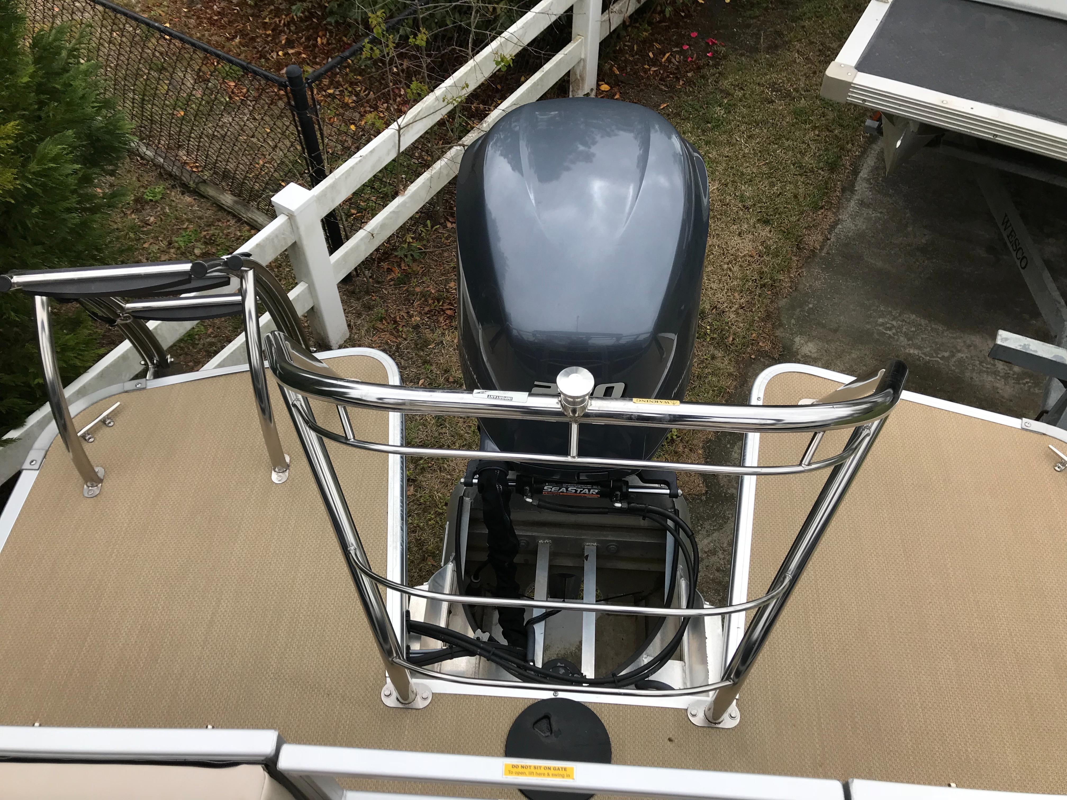 Godfrey Aqua Patio - Ski Tow Bar/Swim Ladder/Aft Deck