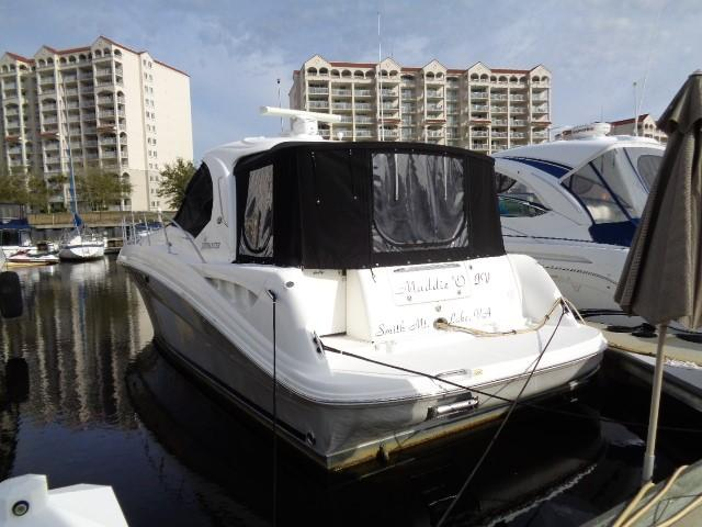 Sea Ray 40 Sundancer - New extended enclosure