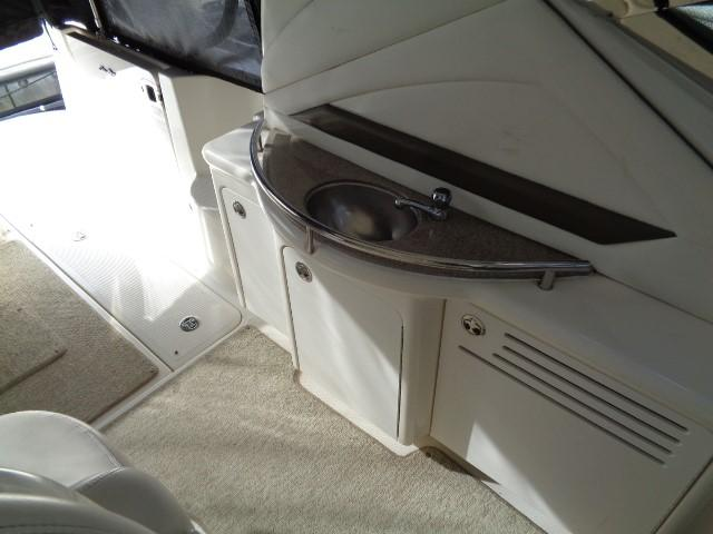 Sea Ray 40 Sundancer - Fresh water sink