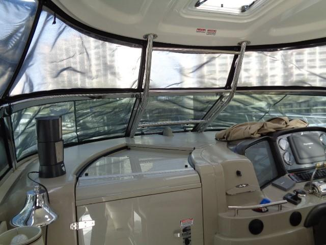 Sea Ray 40 Sundancer - window shades looking forward