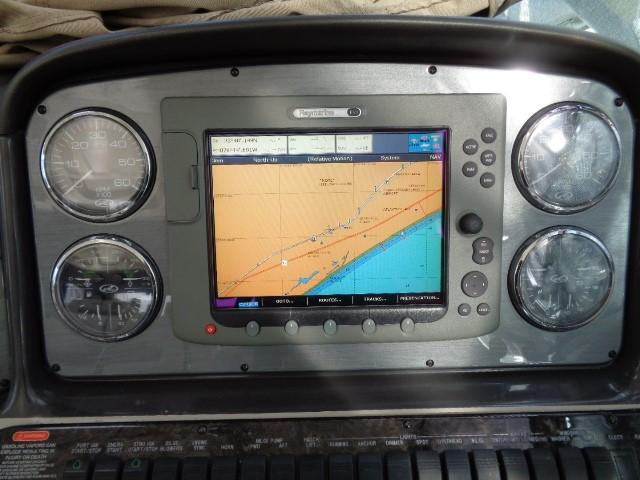 Sea Ray 40 Sundancer - Raymarine