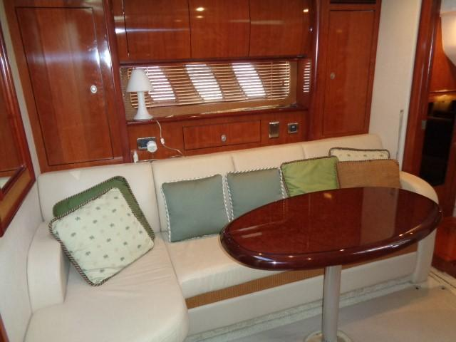 Sea Ray 40 Sundancer - Main salon