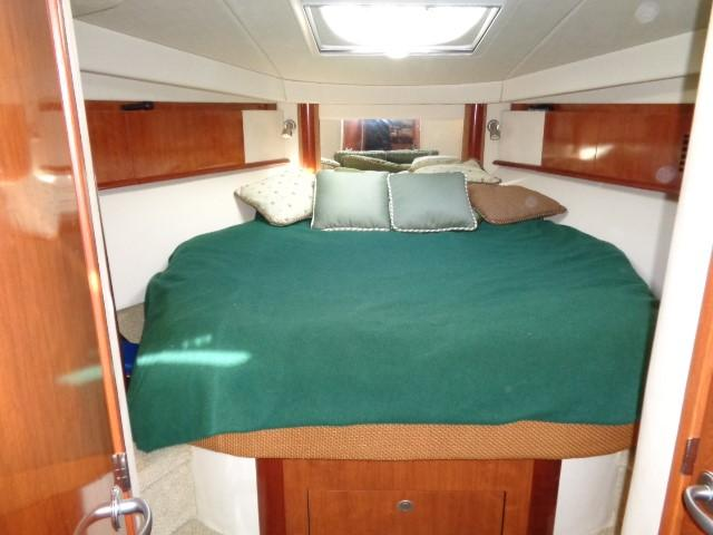 Sea Ray 40 Sundancer - MAster stateroom