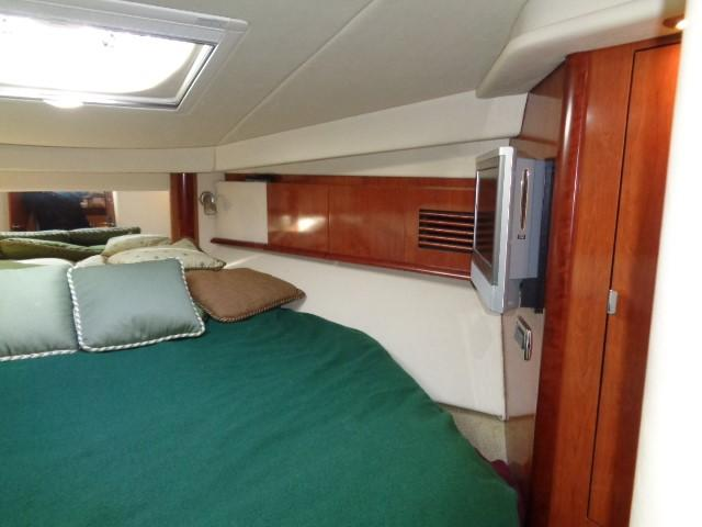 Sea Ray 40 Sundancer - To starboard