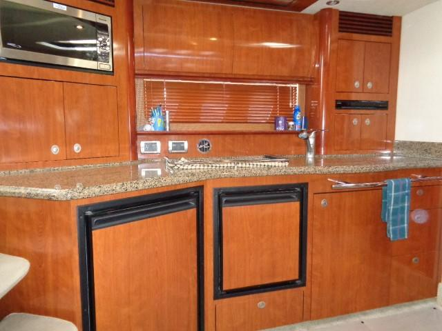 Sea Ray 40 Sundancer - Galley
