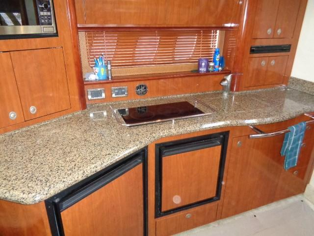 Sea Ray 40 Sundancer - Galley 2