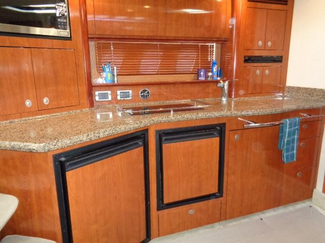 Sea Ray 40 Sundancer - Galley 3