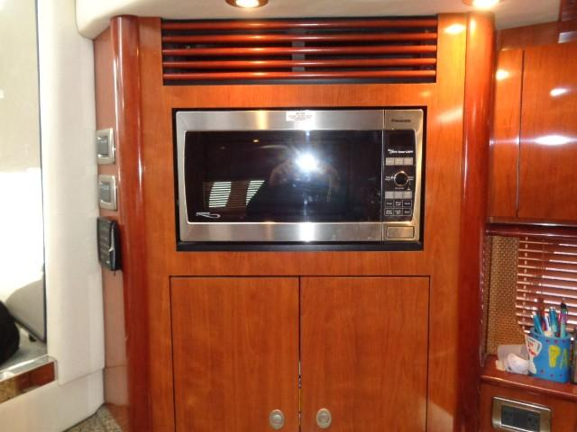 Sea Ray 40 Sundancer - Galley 5