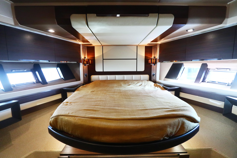 Azimut 72S - VIP Cabin