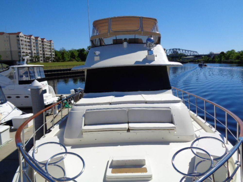 Hatteras 61 Motor Yacht - Forward Deck Seating