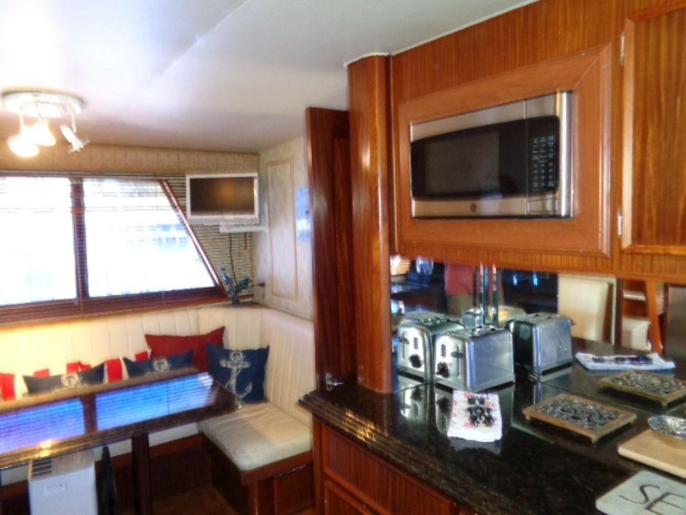 Hatteras 61 Motor Yacht - Convection Oven