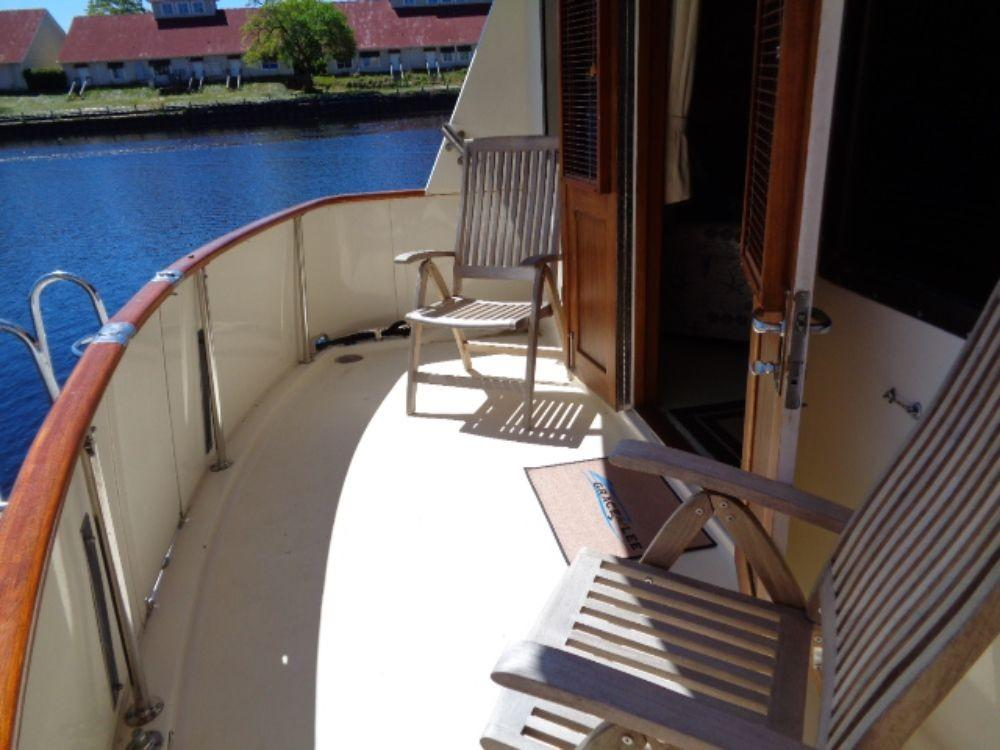 Hatteras 61 Motor Yacht - Aft Deck