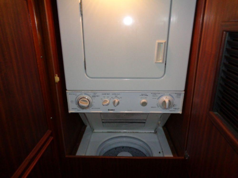 Hatteras 61 Motor Yacht - Washer/Dryer w pleanty of storage