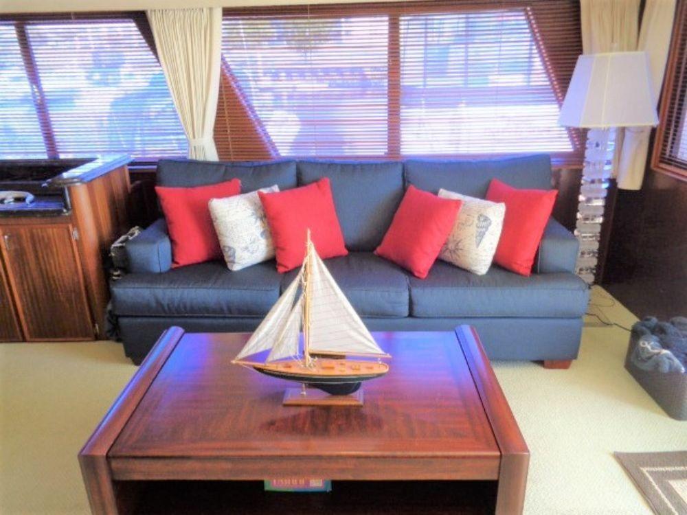 Hatteras 61 Motor Yacht - Salon Seating 2 all new 2018
