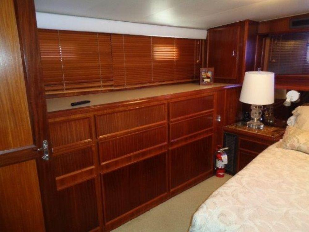 Hatteras 61 Motor Yacht - Master Stateroom 3