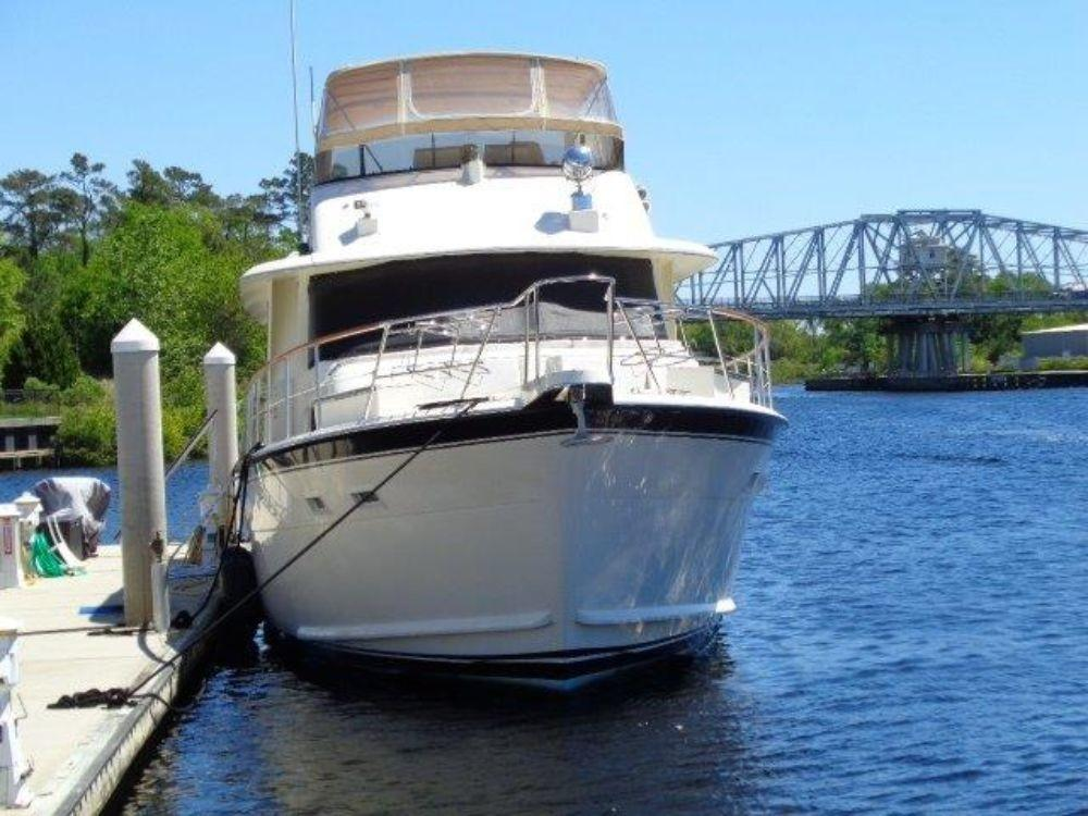 Hatteras 61 Motor Yacht - Bow