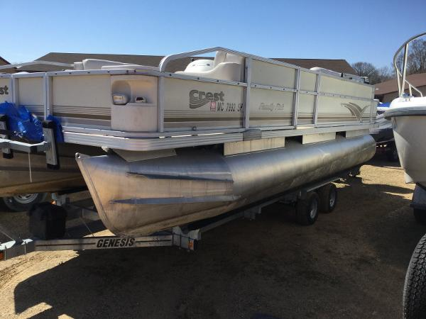 2003 CREST FAMILY FISH 22 for sale