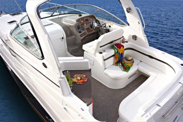 2014 Rinker boat for sale, model of the boat is 340 Express Cruiser & Image # 3 of 9
