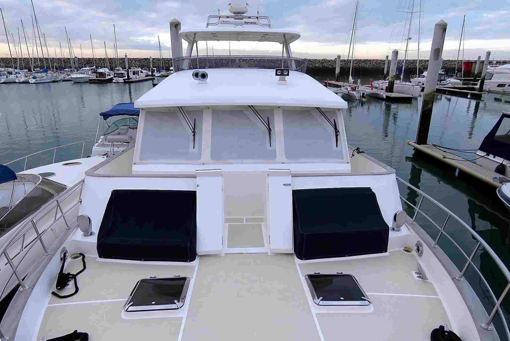 59 Grand Banks Front Deck