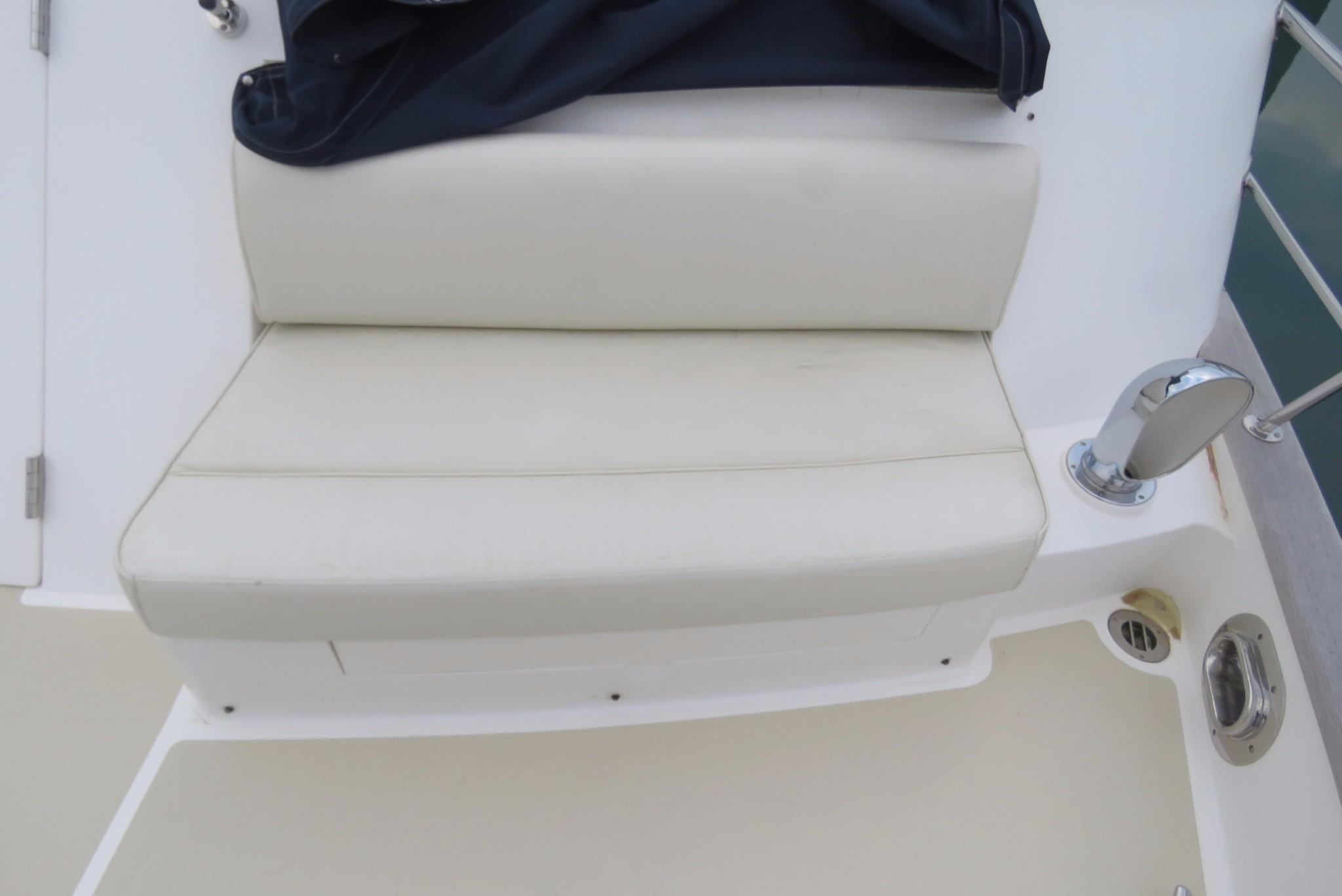 59 Grand Banks Front Seat