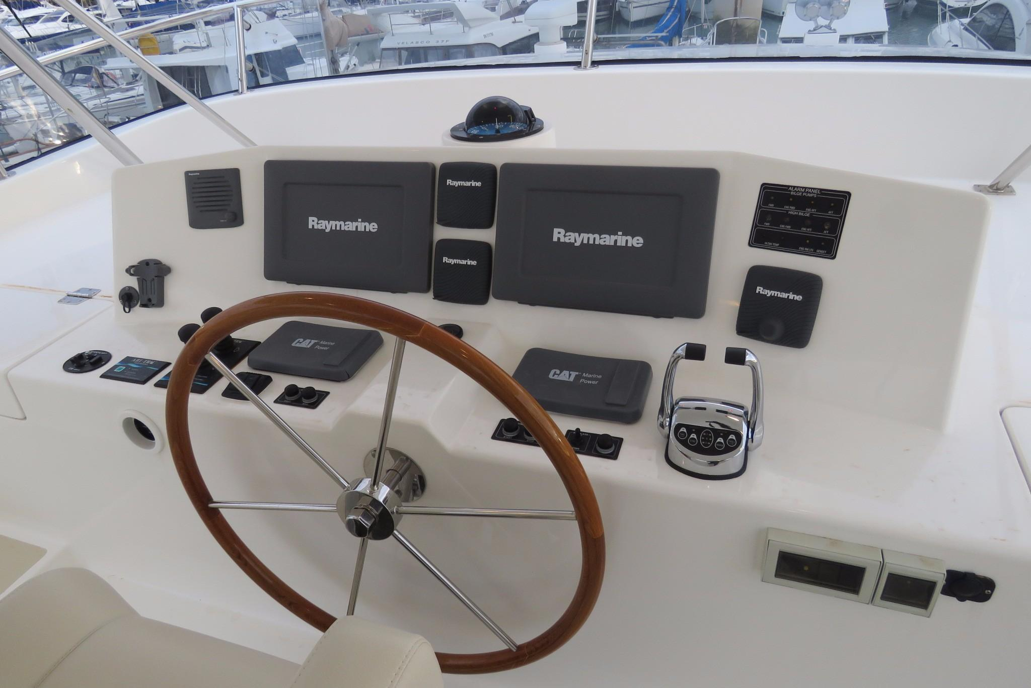 59 Grand Banks Steering on Fly