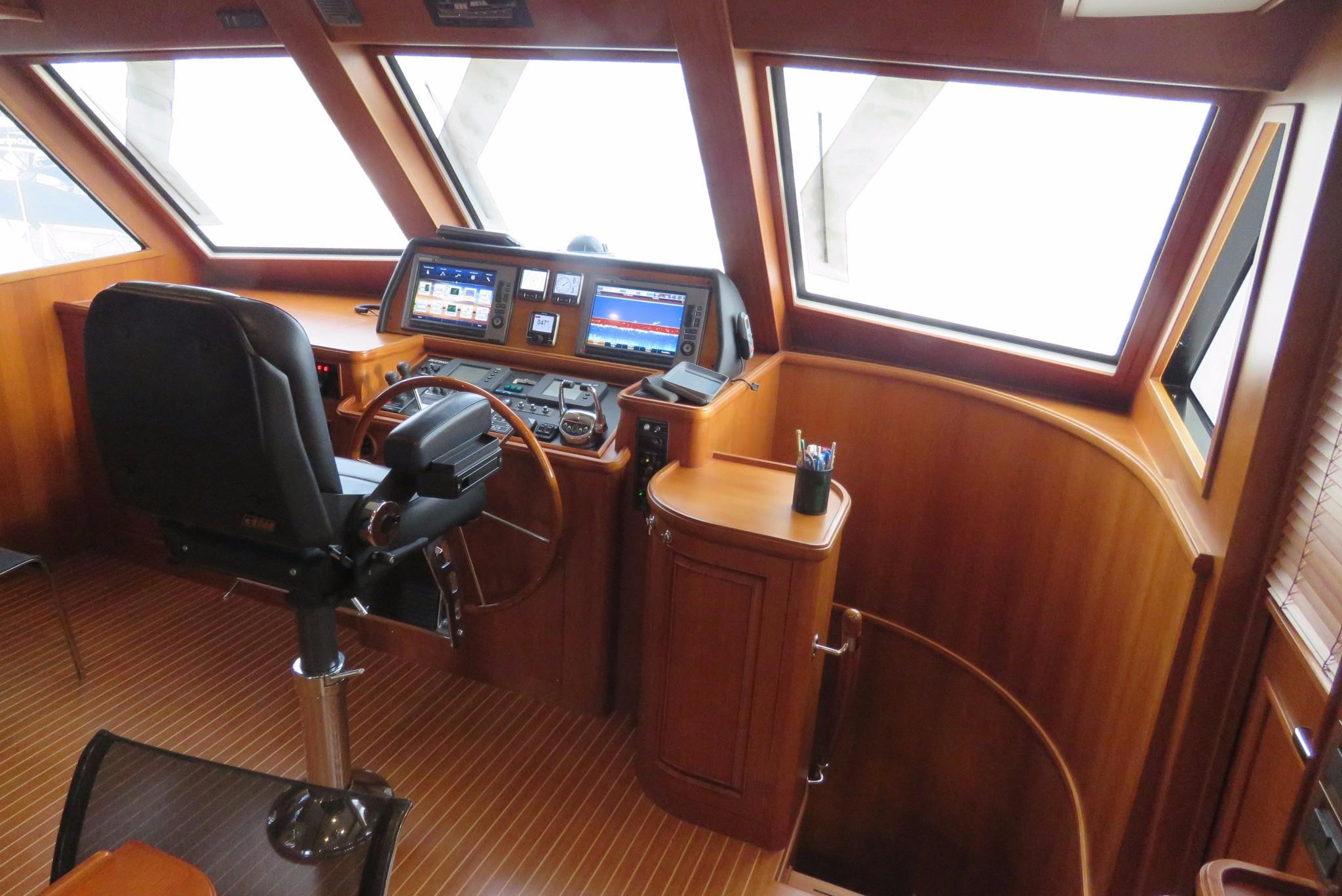 59 Grand Banks Steering Station