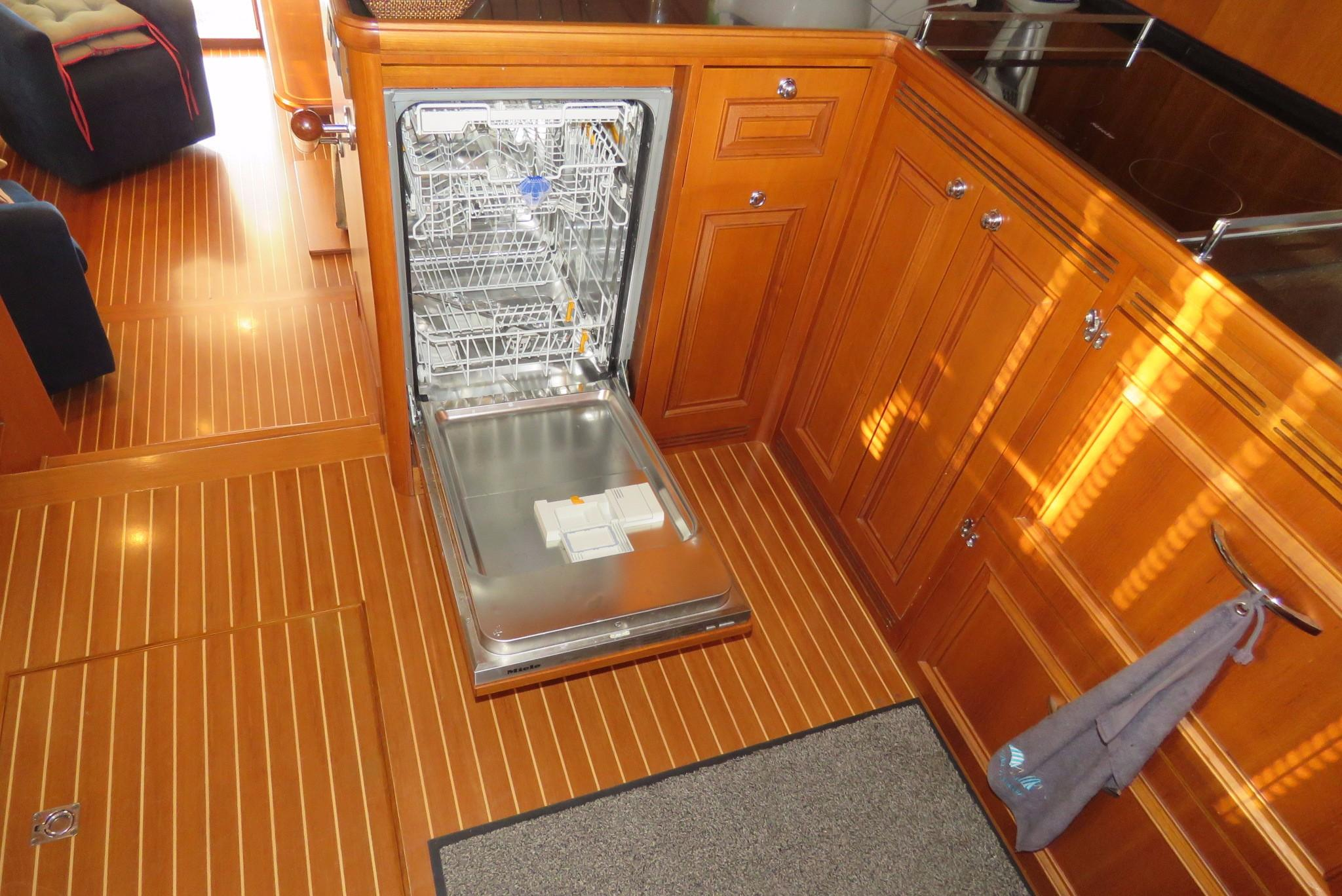 59 Grand Banks Dishwasher