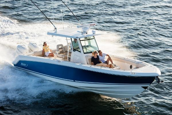 2016 Boston Whaler 330 Outrage