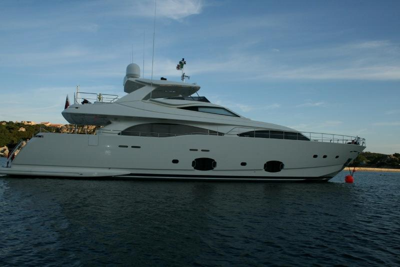 97 ft Ferretti Yachts Custom Line CL 97