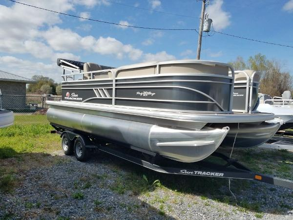 2021 Sun Tracker boat for sale, model of the boat is PARTY BARGE® 20 DLX & Image # 6 of 27
