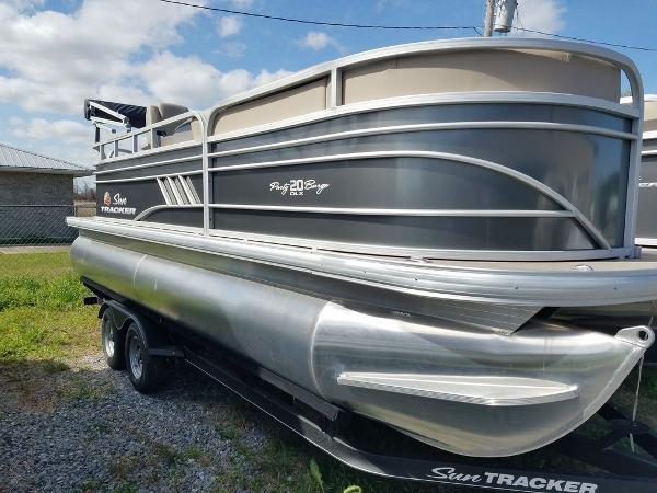 2021 Sun Tracker boat for sale, model of the boat is PARTY BARGE® 20 DLX & Image # 1 of 27
