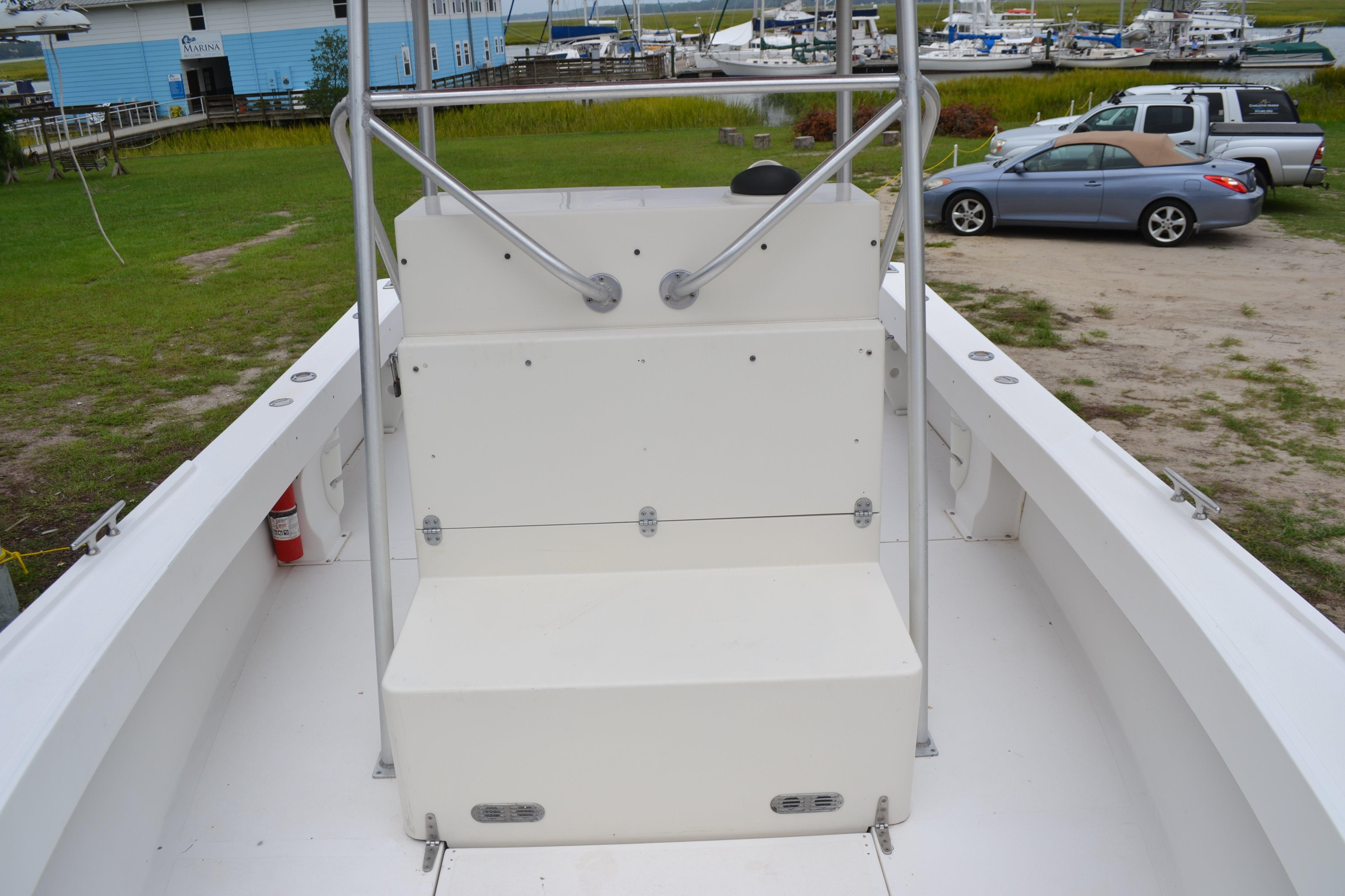 Bow Sprint Integrated Into The Hull