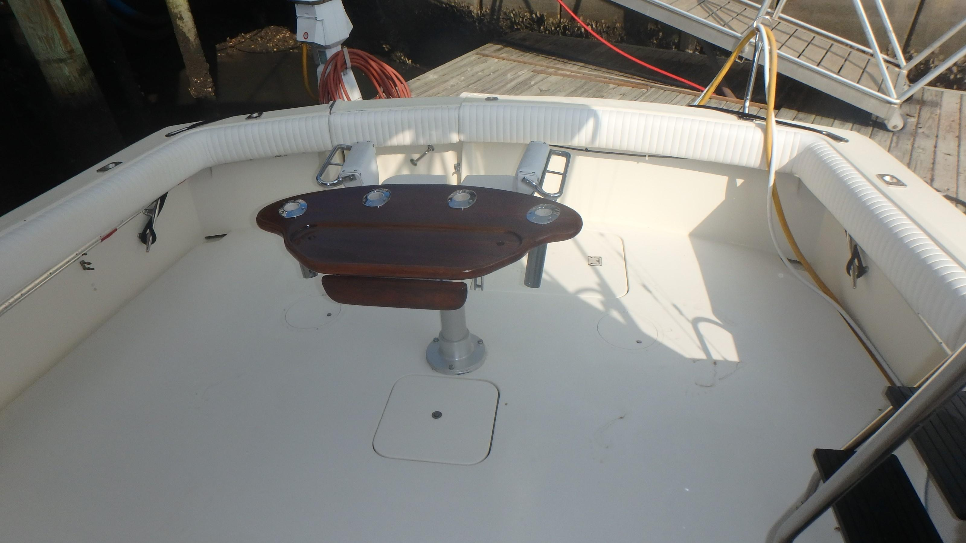 Hatteras 45 Convertible - Photo: #9