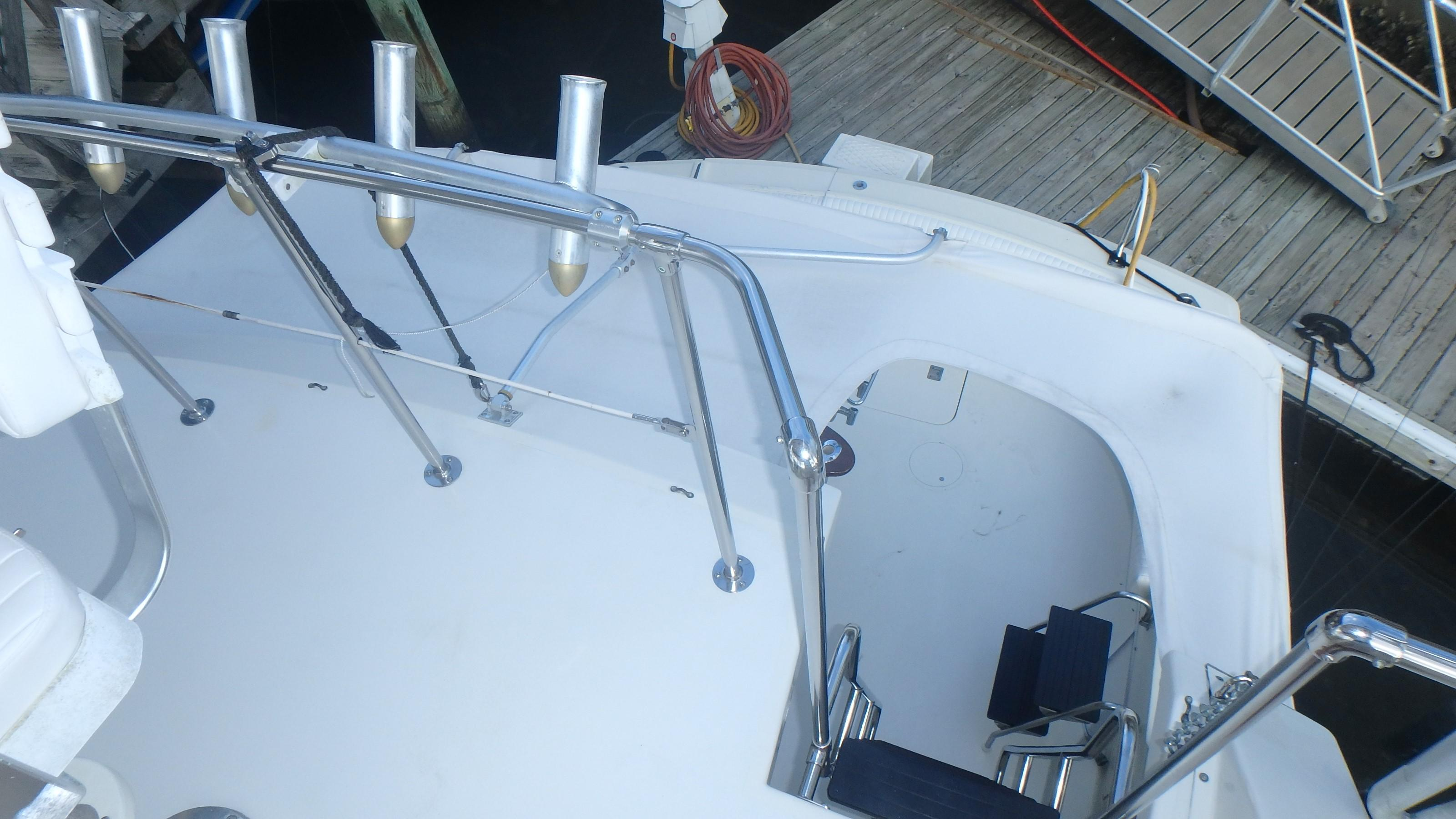 Hatteras 45 Convertible - Photo: #25