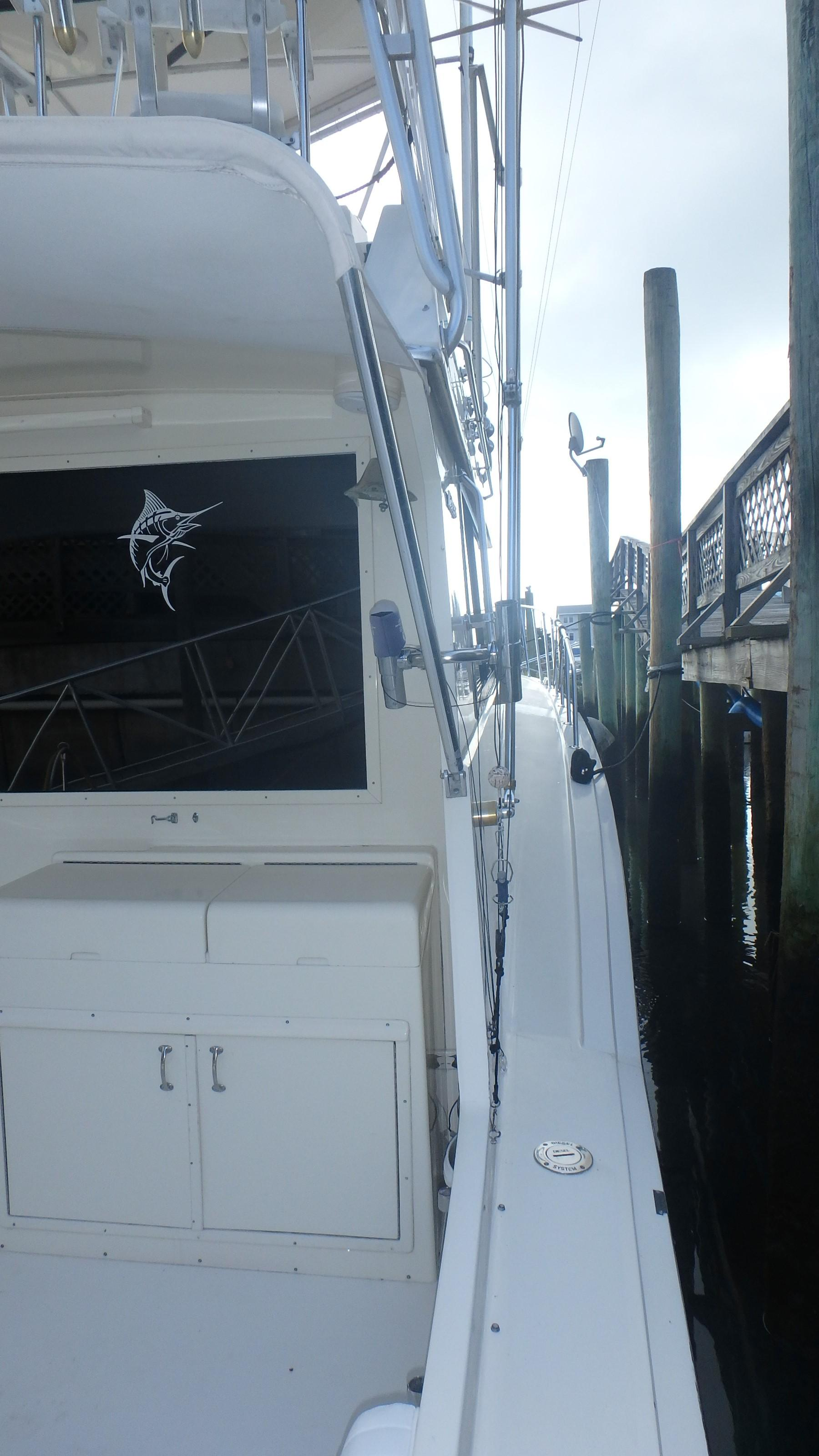 Hatteras 45 Convertible - Photo: #27
