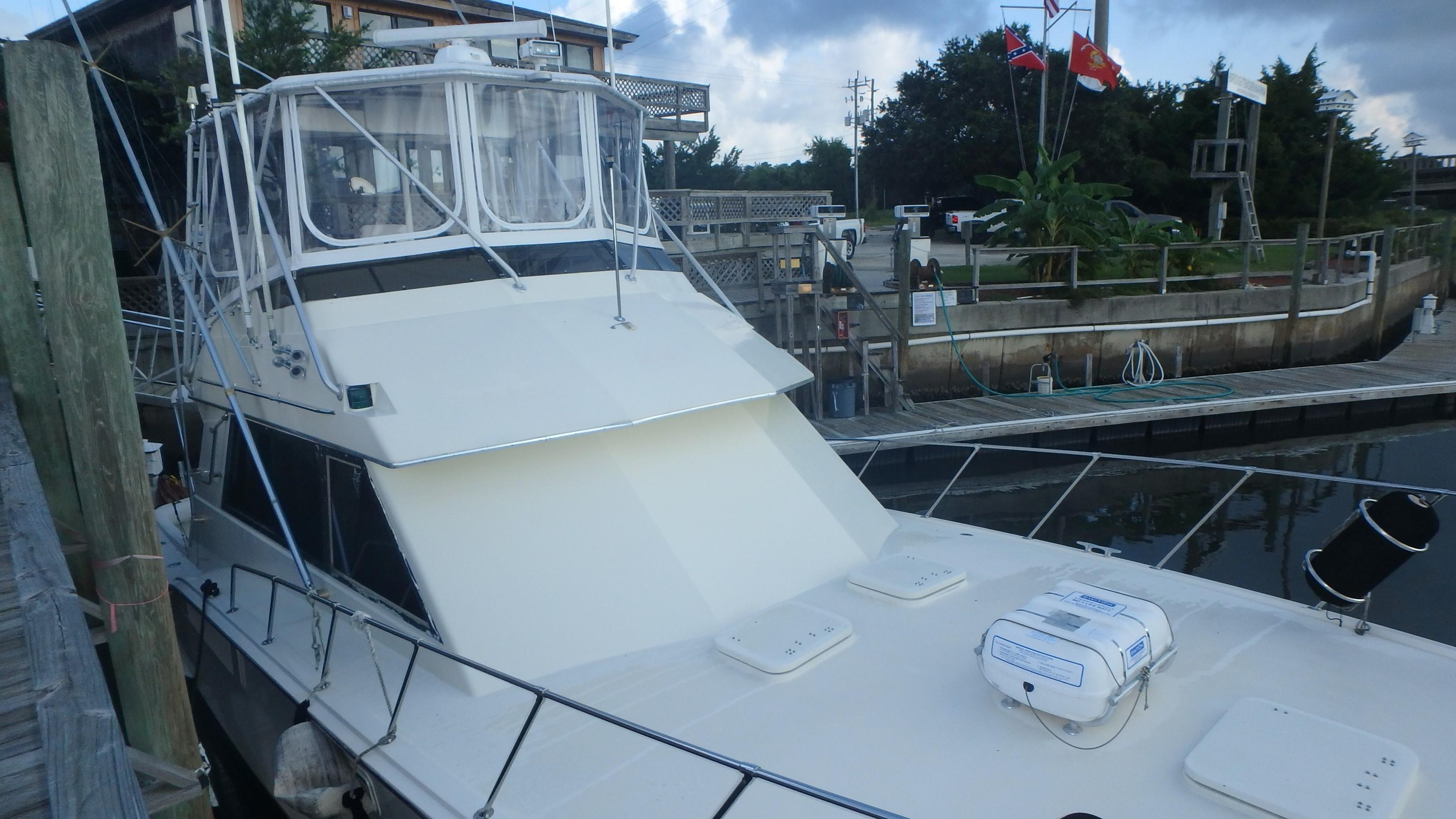 Hatteras 45 Convertible - Photo: #4