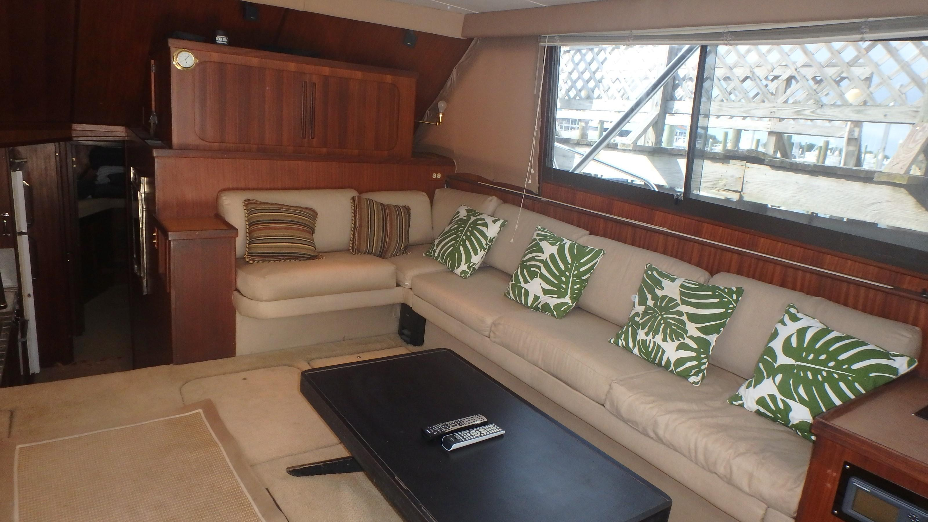 Hatteras 45 Convertible - Photo: #31