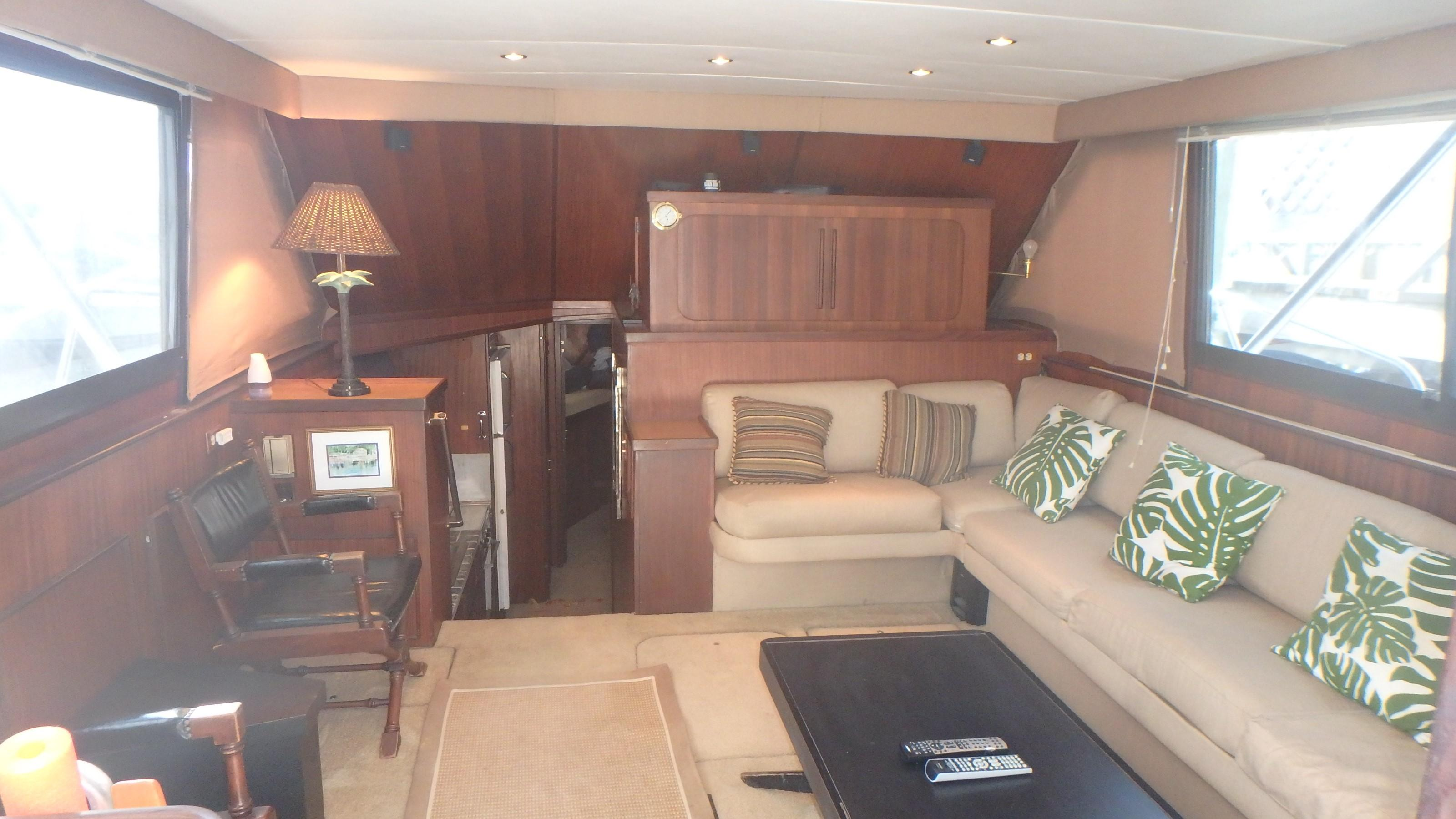 Hatteras 45 Convertible - Photo: #32