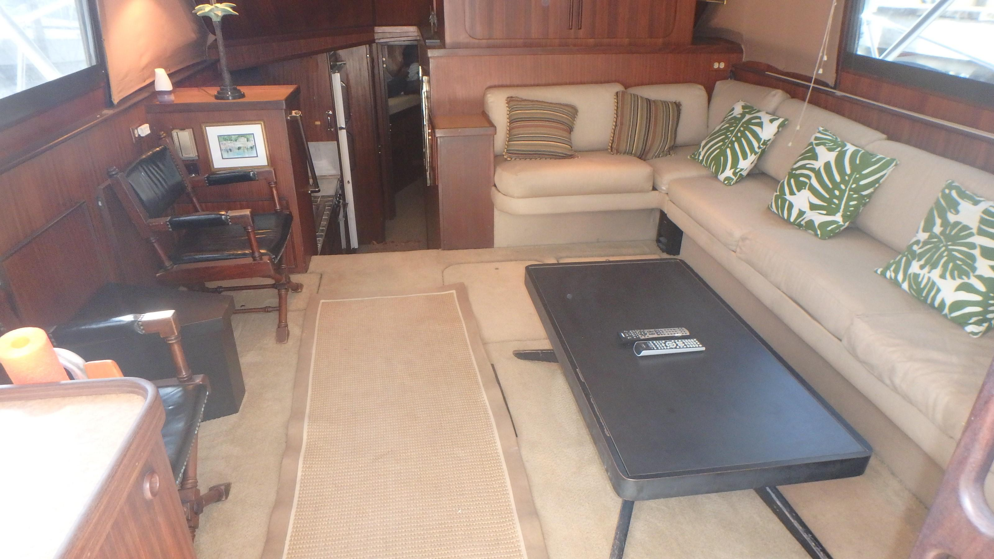 Hatteras 45 Convertible - Photo: #33
