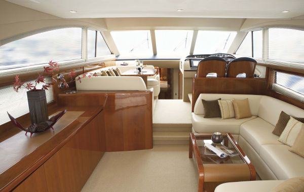 Princess Yacht P54 Thailand - Spacious saloon
