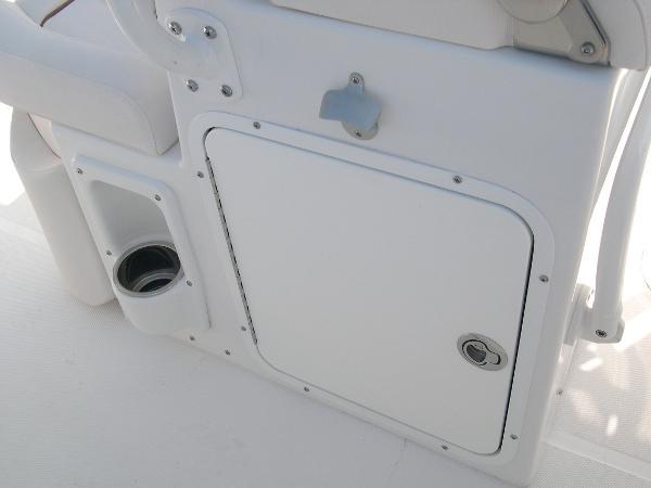 234 Ultra Mezzanine Seat Photo 28
