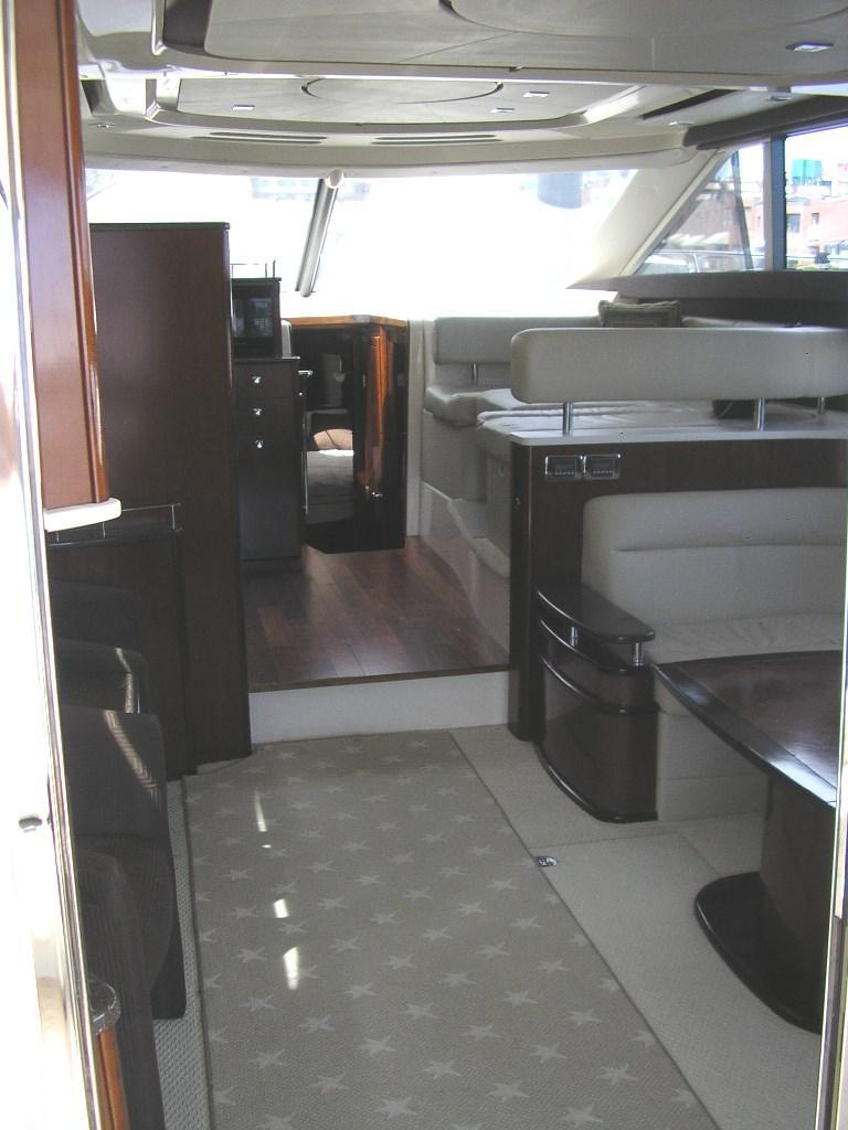 Meridian441 Sedan