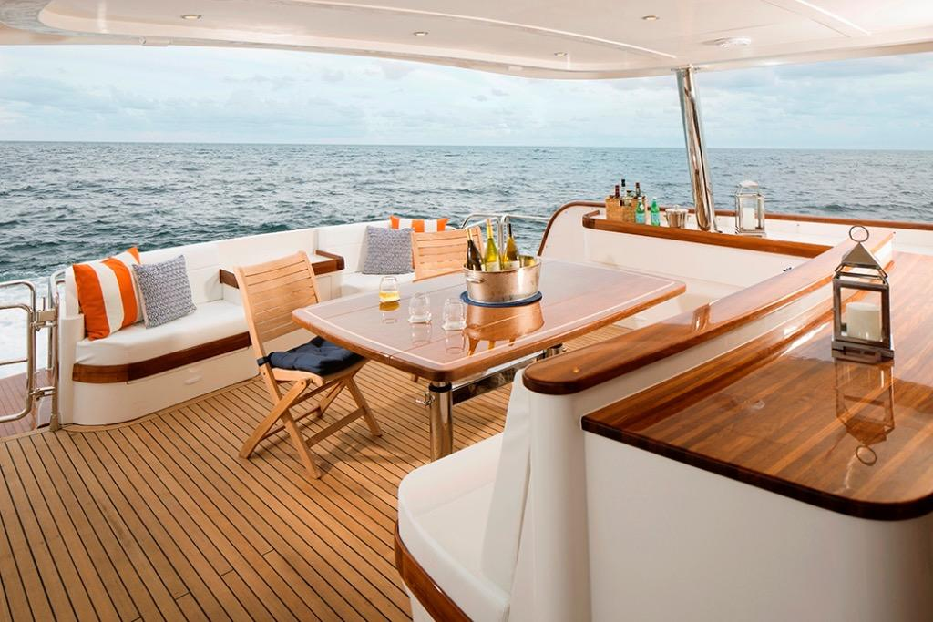 Hunt Yachts 80 Ocean Series Flybridge