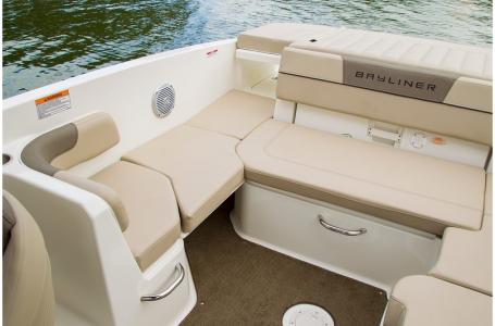 2019 Bayliner boat for sale, model of the boat is VR6 Bowrider & Image # 18 of 20
